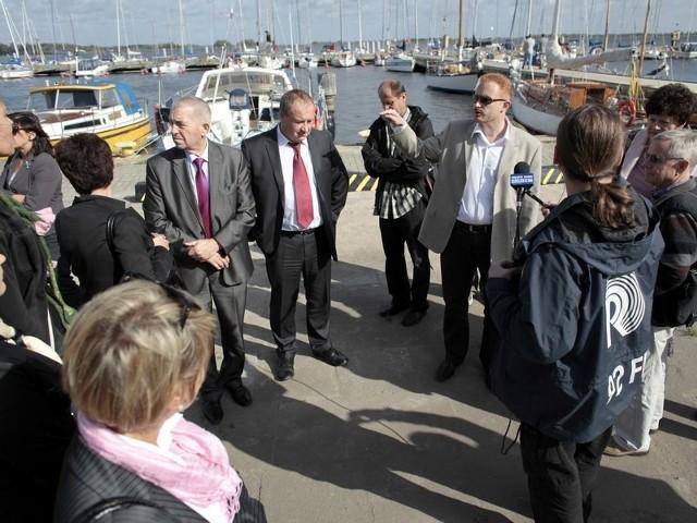 Zainteresowanie radnych budziły również nowe inwestycje w Centrum, które mają być zrealizowane do zlotu żaglowców w Szczecinie.
