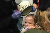 Słupca: Dziecko założyło sobie garnek na głowę. Na pomoc wezwano strażaków