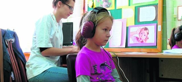 W marcu ruszy program bezpłatnych badań słuchu i głosu dzieci ze szkół podstawowych na terenach wiejskich