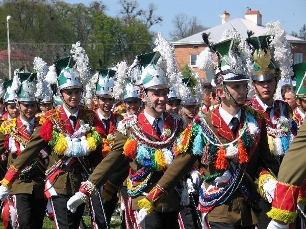 Strażnicy Grobowi niekiedy mają bardzo kolorowe mundury.