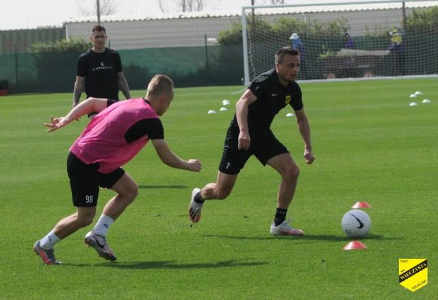 Piłkarze Wieczystej Kraków podczas zajęć w ostatnim dniu pobytu na zgrupowaniu w Dubaju