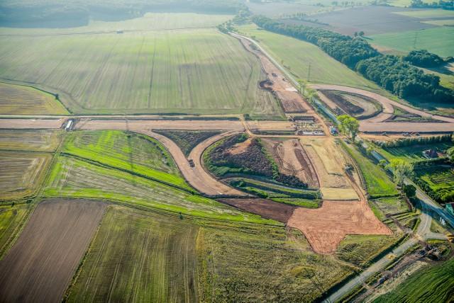 Budowa drogi ekspresowej S3 na odcinku Legnica - Bolków. Przełom września i października 2016