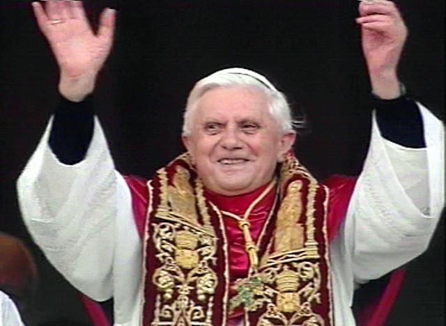 Joseph Ratzinger został wczoraj nowym papieżem. Niemiecki kardynał przybrał imię Benedykt XVI.