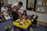 Studentki PMWSZ w Opolu uczyły przedszkolaków zdrowego odżywiania