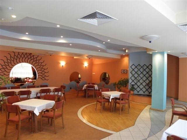 Wnętrze restauracji Bursztynowa.