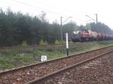 Tragedia na torach pod Olkuszem. Nie żyje 33-letni policjant, wpadł pod pociąg towarowy
