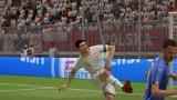 POLSKA - WŁOCHY. SYMULACJA FIFA 19. Lewandowski chciał trafić kibica i bajeczna technika Belottiego