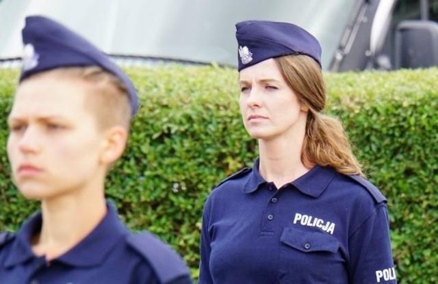 Warmińsko-mazurska policja ma nowych funkcjonariuszy. Wśród nich są piękne policjantki