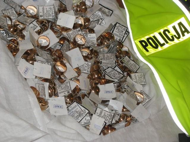 70 tys. złotych stracił lęborczanin namówiony do kupna obrączek z tombaku
