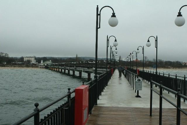 Pod względem długości, molo w Międzyzdrojach zajmuje drugie miejsce wśród czterech istniejących u wybrzeży Zatoki Pomorskiej. Najdłuższe jest molo w Heringsdorfie. Ma 500 metrów. Te w Ahlbeck i Banin mają po 300 metrów.
