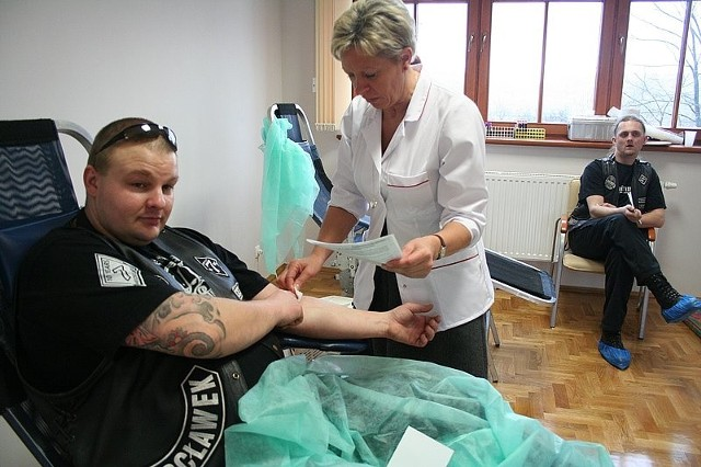 Przemek Gustak i pielęgniarka Grażyna Koźmińska