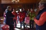 Kilkunastoosobowa delegacja touroperatorów z Chin odwiedziła gminę Sękowa. Zwiedzili kościół pw. św.św. Filipa i Jakuba w Sękowej i Wapienne