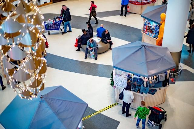 Co siódmy Polak planuje wybrać się po upominki w drugiej połowie grudnia, ale nie później niż w ostatni weekend przed świętami.