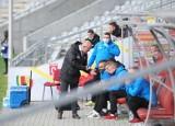 Trener i piłkarze Korony Kielce oceniają mecz z Sandecją Nowy Sącz. -To miało niewiele wspólnego z piłka nożną - mówi Jacek Podgórski