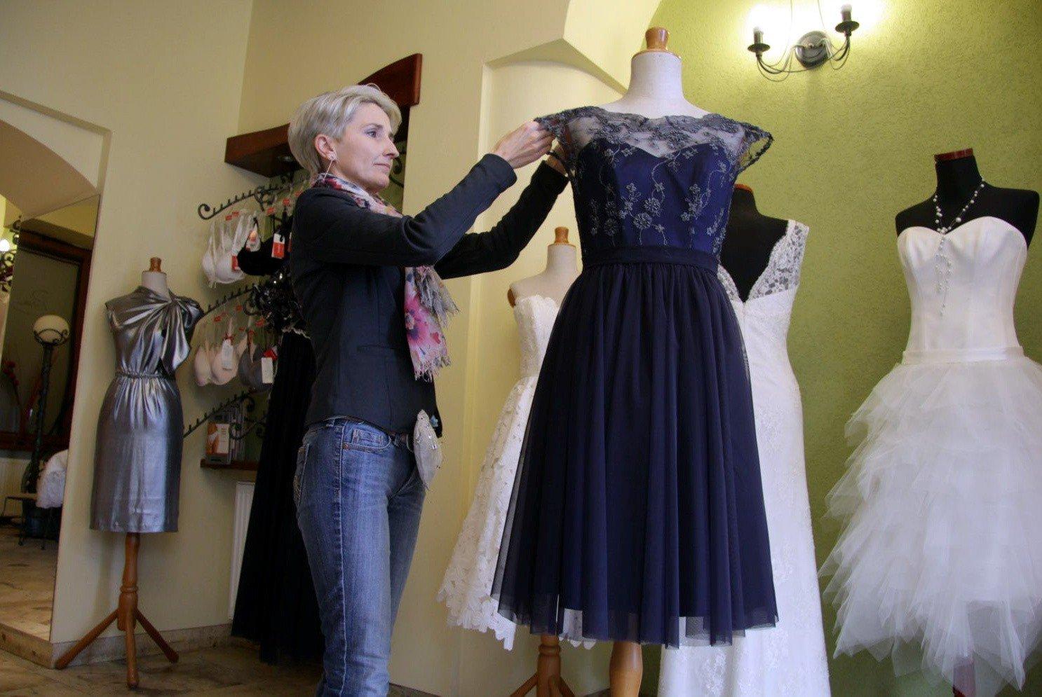 bac0d72c8e Studniówki 2014 w Lublinie  Maturzystki chcą mieć suknie
