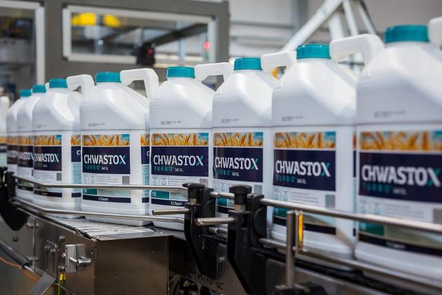Chwastox to flagowa marka spółki CIECH Sarzyna – największego polskiego producenta środków ochrony roślin