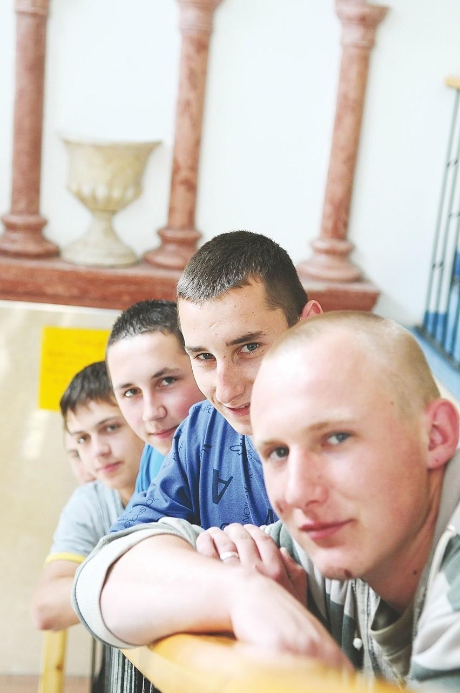 Jak wybieraliśmy szkołę, myśleliśmy o przyszłej pracy - mówią Emil Wąchała, Erwin Sługocki, Marcin Szczepański, Krystian Górniaczyk i Paweł Grzelak z ZSZ PBO