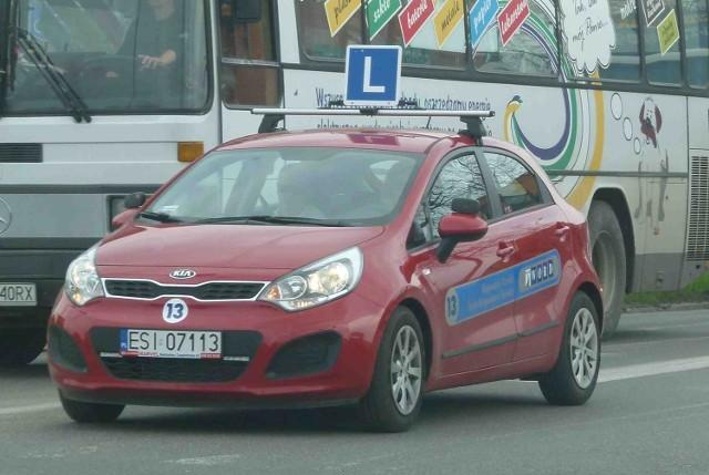 Kierowcy zdają egzamin na prawo jazdy na tych autach już m.in. w Sieradzu