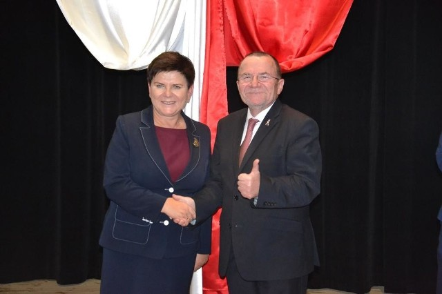 Marek Bogusławski z wicepremier Beatą Szydło