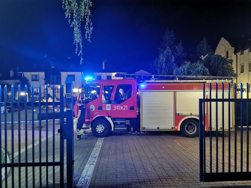 Prowokacja pod Radiem Maryja. 37-latek celowo podpalił samochód przed rozgłośnią
