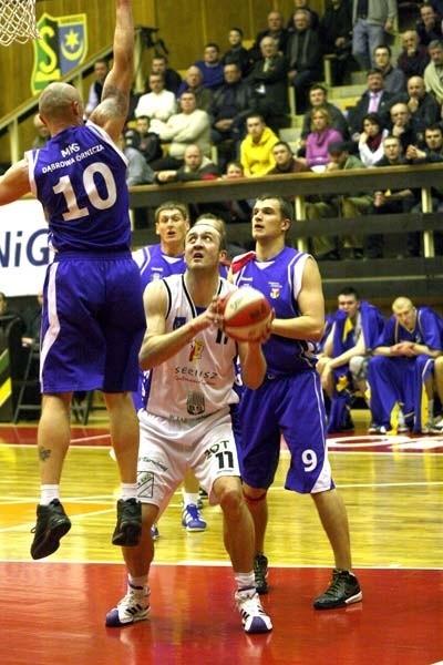 Koszykarze Siarki rozgrywają najważniejszy mecz w historii istnienia klubu, walcząc w Dąbrowie Górniczej o awans do ekstraklasy.
