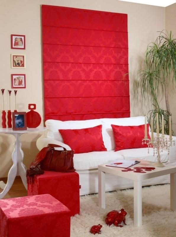 Kolorystyka tapicerowanych dodatków może zmienić klimat wnętrza.