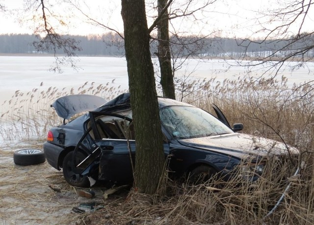 41-latek kierujący pojazdem był trzeźwy. Nic mu się nie stało.
