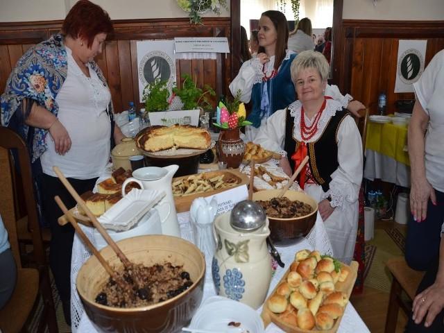 Walentynkom w Lubczy od ubiegłego roku towarzyszy konkurs kulinarny i występy zespołów ludowych reprezentujących różne regiony i folklory
