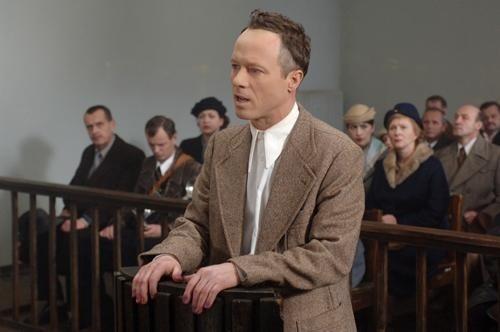 Tytułową postać zagrał Marek Probosz.
