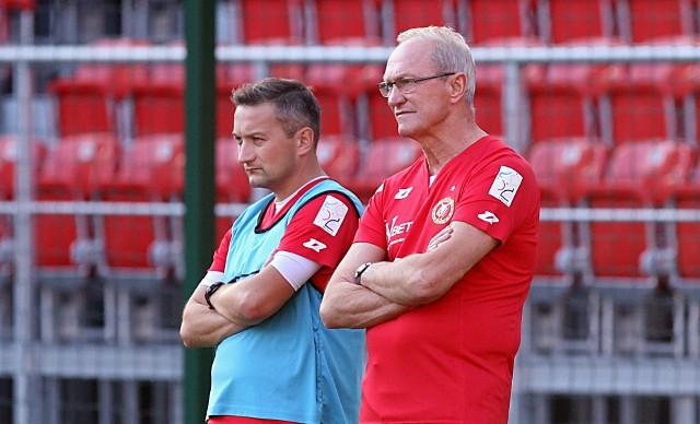 Asystentem trenera Enkeleida Dobiego jest Marcin Broniszewski, który też współpracował z Franciszkiem Smudą