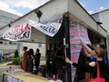 Protestujący studenci proszą o wegański catering i... gry. Internet oburzony!