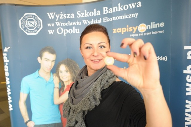 - Jedna godzina korepetycji to tylko dwa złote. Warto się zapisać - mówi Anna Kołodziej, studentka WSB.