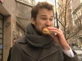 Reporter testuje na sobie fast foody [WIDEO]
