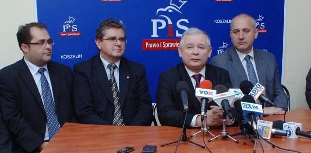 Jarosław Kaczyński w Koszalinie. - To normalny objazd po kraju, jak co roku - stwierdził na początku wizyty.