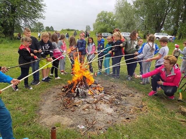 Rok Rzeki Wisły 2017. Uczniowie szkoły podstawowej w Babinie poznali lepiej królową polskich rzek.