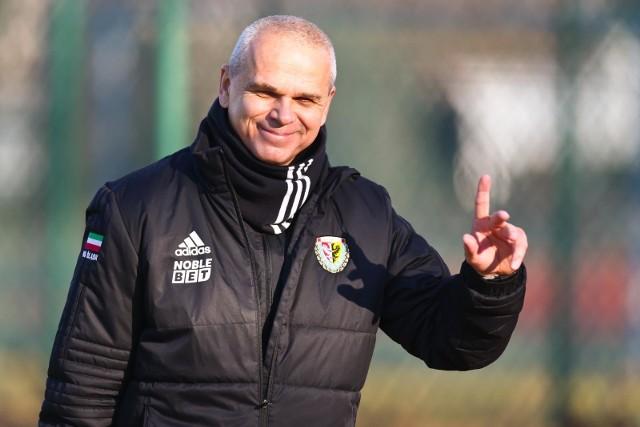 Vitezslav Lavicka od kilku dni nie jest już trenerem Śląska Wrocław. Jakie były grzechy główne czeskiego szkoleniowca? Przeczytajcie naszą analizę.WAŻNE! Do kolejnych slajdów przejdziesz za pomocą gestów na telefonie lub strzałek.