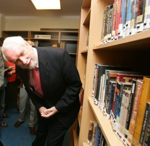 W otwarciu biblioteki Akademickiego Centrum Kształcenia Językowego wziął udział dyrektor British Council. - Jako dziecko czytałem przede wszystkim kryminały - przyznał Tony O'Brian.
