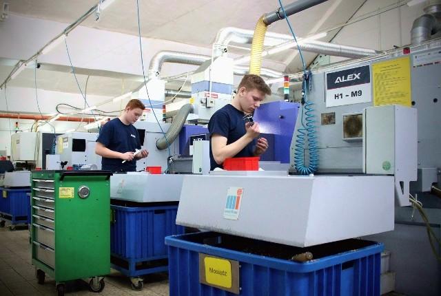 Od września młodzież zacznie tu naukę zawodów: mechatronik, operator obrabiarek skrawających, magazynier - logistyk, elektronik