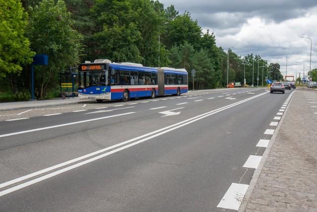 Od czwartku, 3 czerwca, do Myślęcinka znów kursować będzie linia nr 52. Na spacer, piknik czy do zoo komunikacją publiczną pojedziemy szybko i bez przeszkód, bo na ul. Gdańskiej poruszają się od ubiegłego roku buspasem.