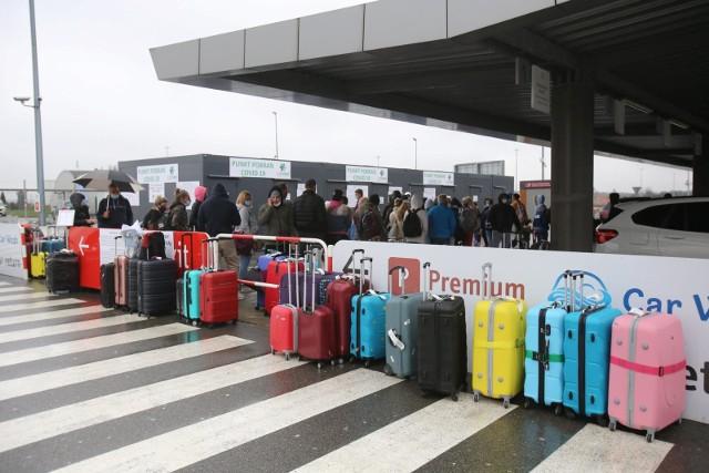 Rok temu, wbrew pandemii, wielu polskich klientów Revolut wyjechało na letni urlop za granicę. Najczęściej wybierali Chorwację, Włochy i Grecję. W tym roku, może być podobnie.