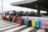 Czekamy na paszporty COVID-owe, by w zdecydowanej większości wybrać się na urlopy zagranicę. Taki plan ma ośmiu na 10. Polaków [13.05.2021]