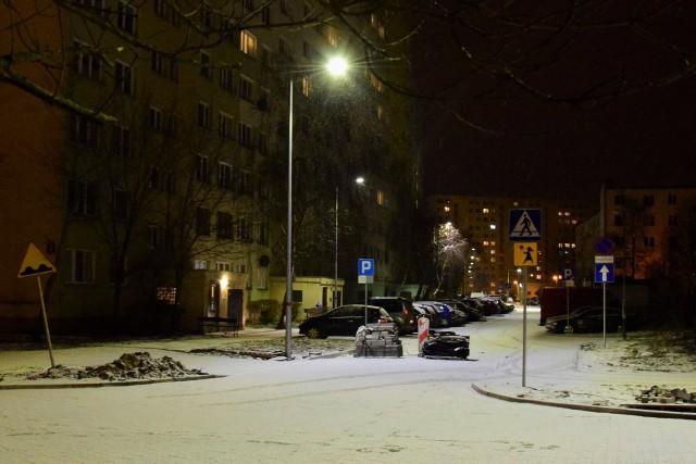 Jako przykład dobrze oświetlonej drogi bez potrzeby doświetlania przejść dla pieszych prezydent podał między innymi ulicę Krzymińskiego
