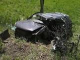 Pomorskie: Wypadek na trasie Nowa Karczma-Lubieszyn. 12.05.2020 r. Samochód uderzył w drzewo. Droga nr 224 była zablokowana