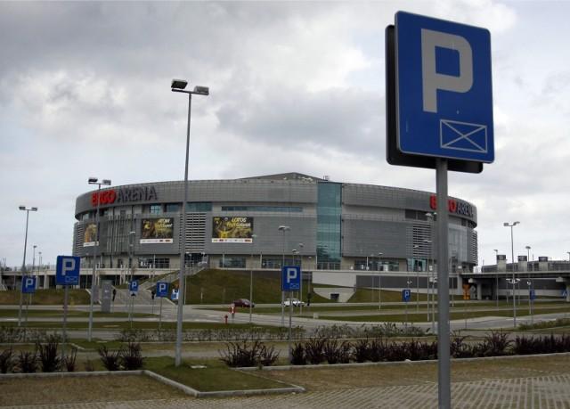 03.05.2011 gdansk/sopot ergo arena. parking przed hala widowiskowo - sportowa ergo arena na granicy gdanska i sopotu. fot. karolina misztal/polskapresse dziennik baltycki