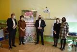 Dzięki aktywności rodziców Szkoła Podstawowa w Mniszowie ma interaktywną tablicę