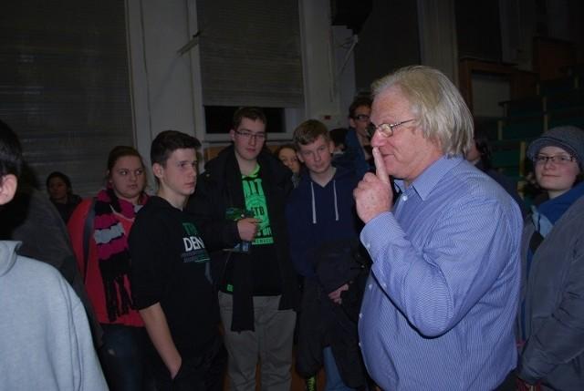 Swoim wykładem akademię otworzył dr hab. Lech Mankiewicz  z PAN-u.