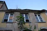 Zielonogórski radny zwraca uwagę na kolejne ruiny w śródmieściu. Czy można coś zrobić z takimi budynkami, które niszczeją od lat?