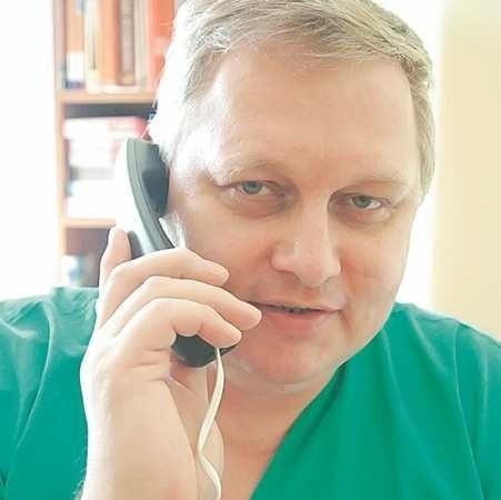 Jan Wasylkowski. Absolwent AM w Białymstoku. Jest specjalistą chirurgiem i absolwentem pierwszej polskiej Podyplomowej Szkoły Medycyny Estetycznej przy Polskim Towarzystwie Lekarskim, zrzeszonej w Międzynarodowym Stowarzyszeniu Szkół Medycyny Estetycznej