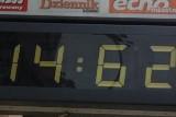 Szalony zegar przy Skorupki 17/19