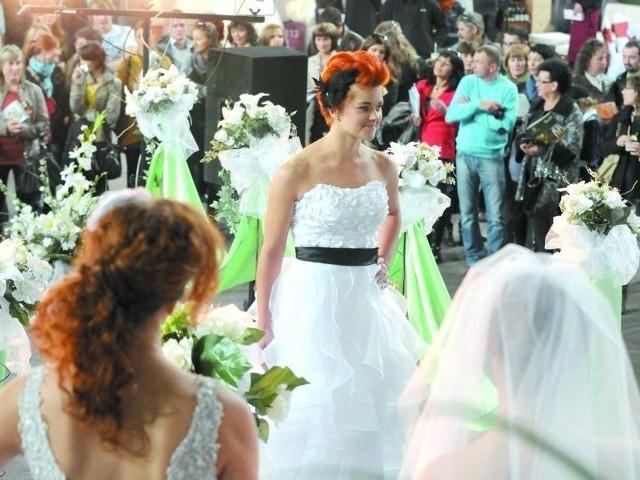 Piękne modelki, suknie i dodatki zobaczysz też w Toruniu